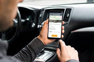 Mockup-reiskosten-indienen-vanuit-auto-600x400-web